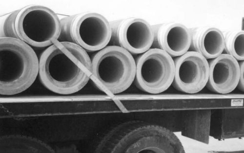 Picture of concrete pipe loaded crosswide cargo
